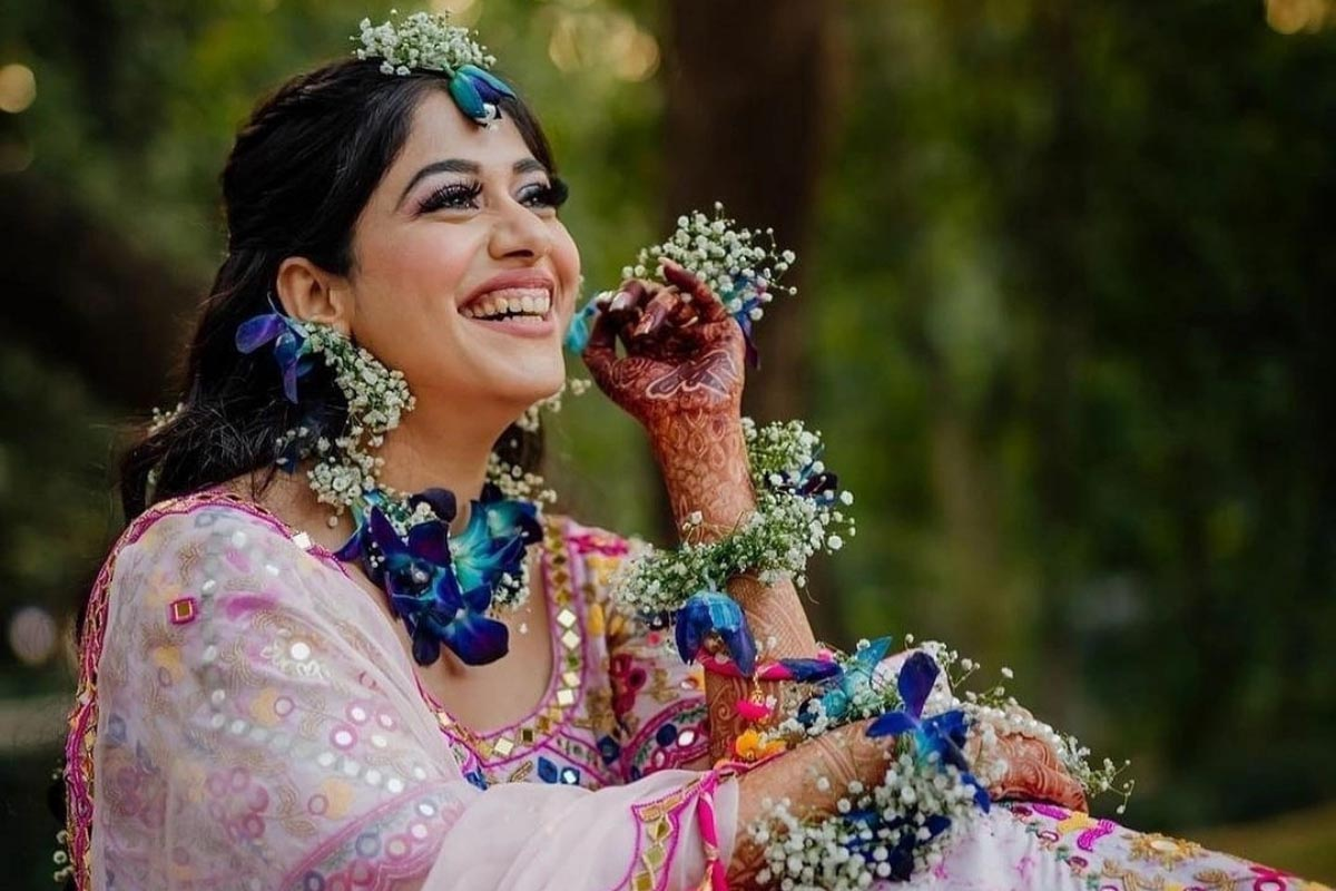 Blossoming Brides – Floral Jewellery Comeback