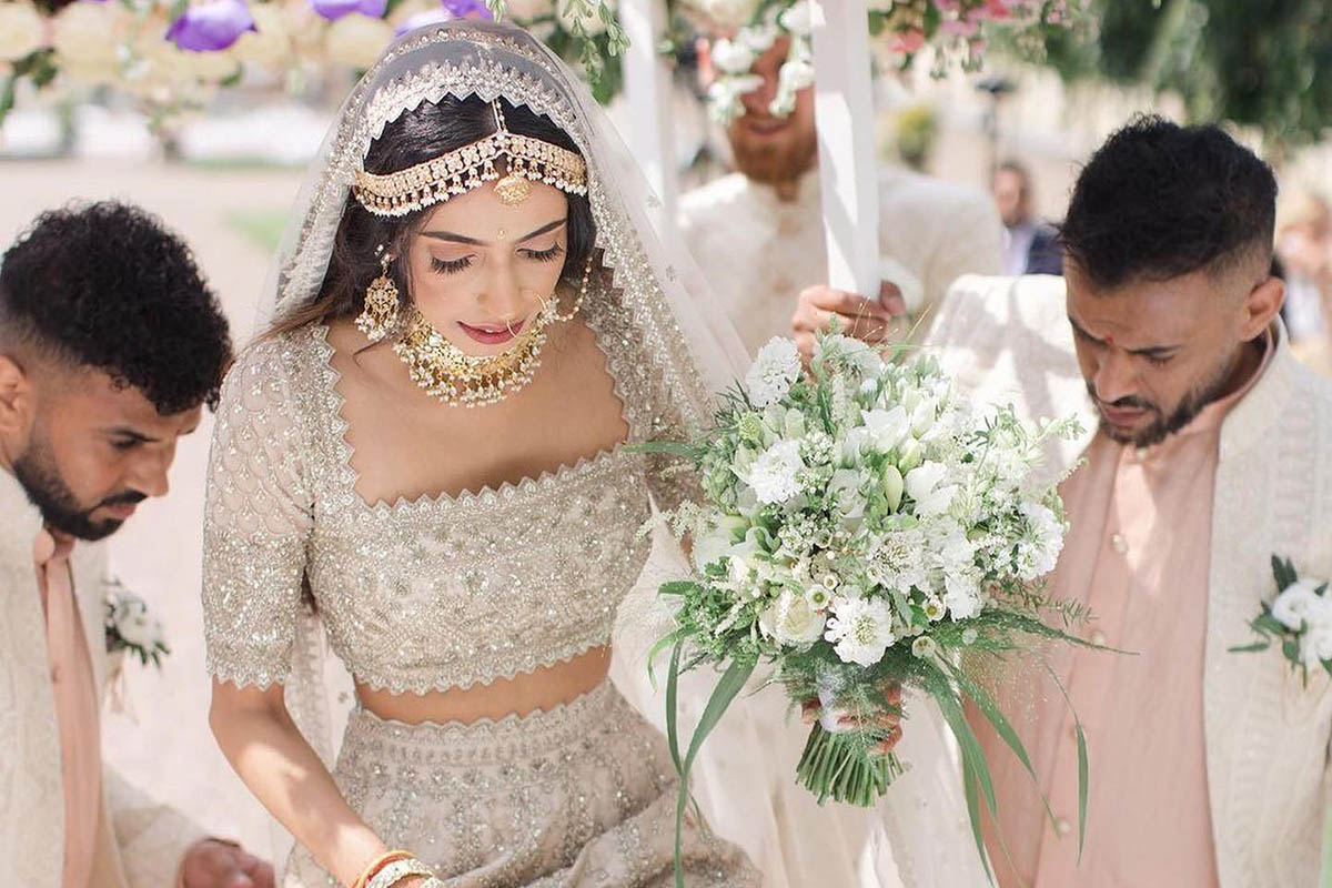 Trending – Royal Ivory Brides